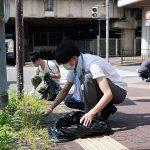 阪神電車「尼崎」駅前の清掃活動を行いました【地域貢献活動】